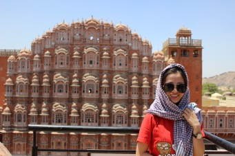 Cung điện gió Hawa Mahal, klq gì đến topic nhưng cho vào cho có màu sắc hehe